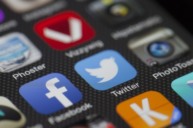 Social Media Apps (Source: Pixabay)